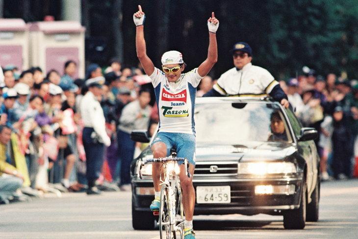 1993〜1995年にかけてジャパンカップを3連覇したクラウディオ・キアプッチ(イタリア、カレラジーンズ)