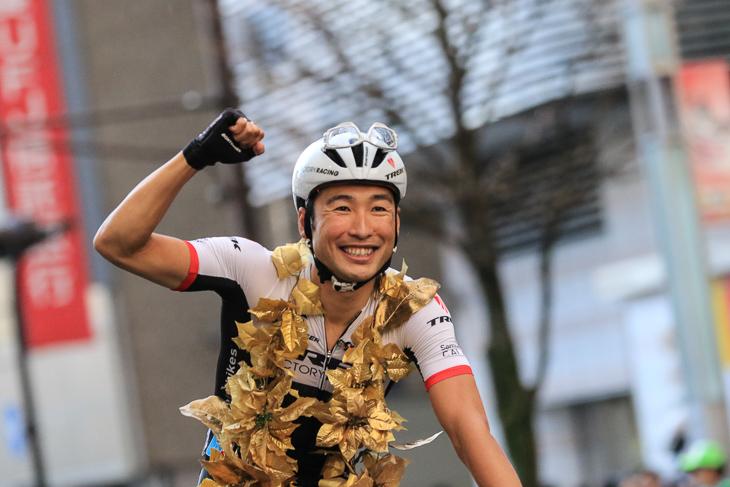 2015ジャパンカップクリテリウムで日本人初の優勝者となった別府史之(日本)