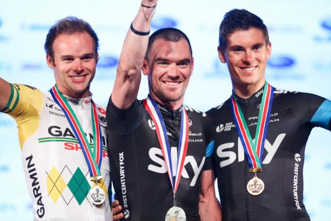 2位スティール・ヴォンホフ(オーストラリア、ガーミン・シャープ)、優勝クリストファー・サットン(オーストラリア、チームスカイ)、3位ベン・スウィフト(イギリス、チームスカイ)