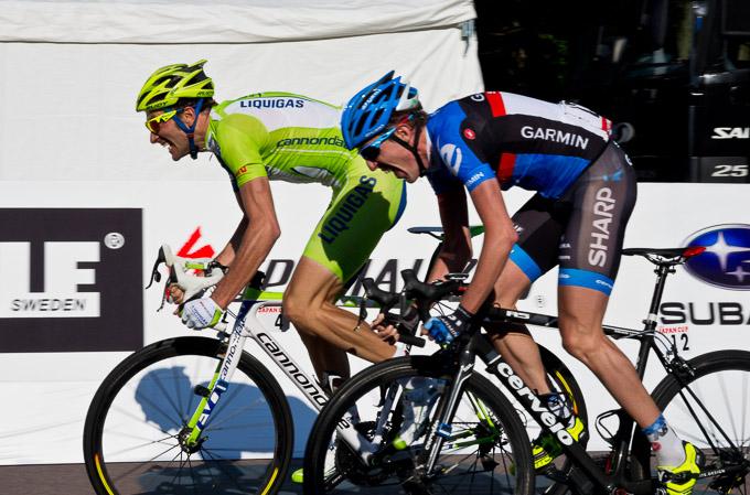 イヴァン・バッソ(イタリア、リクイガスキャノンデール)とダニエル・マーティン(アイルランド、ガーミン・シャープ)の一騎打ちが繰り広げられた2012年のゴール前