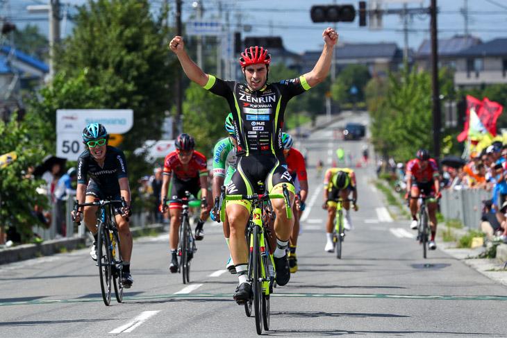 スプリントステージやクリテリウムで多くの勝利を挙げているジョン・アベラストゥリ・イザガ(スペイン、チーム右京)