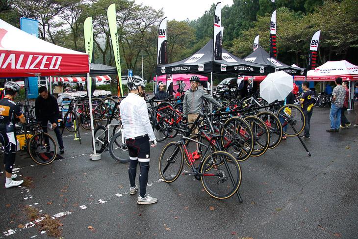 30社以上が集まり盛況だったジャパンカップサイクルフェスタ試乗会 会場