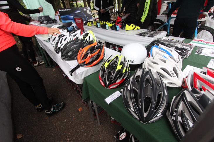 LASヘルメットの特価販売も