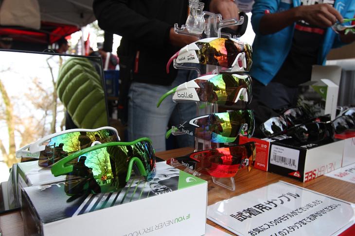 オリカ・バイクエクスチェンジが使用するボレーのアイウェア