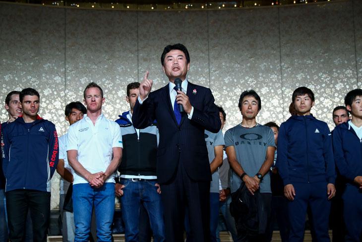 佐藤栄一宇都宮市長「ジャパンカップを続けてきてよかった、クリテリウムを始めてよかった」と25周年のあいさつ