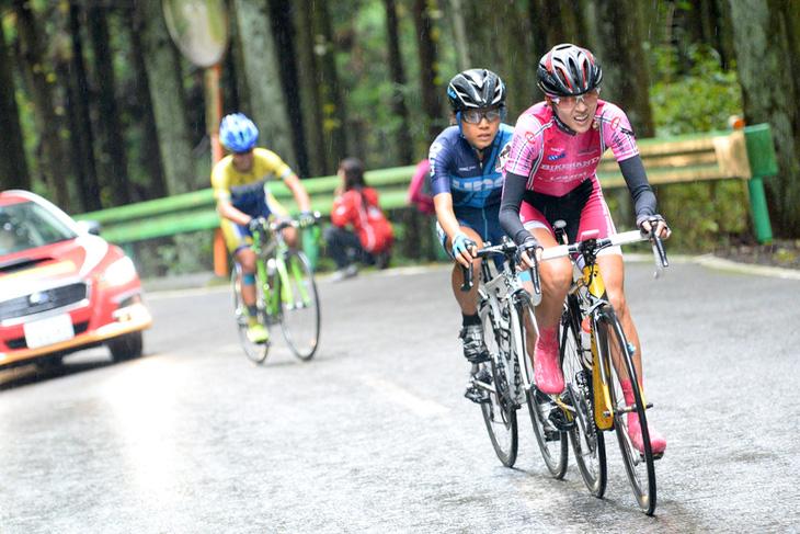 オープンレース女子、大堀博美との争いを制し優勝を飾った金子広美(イナーメ信濃山形)