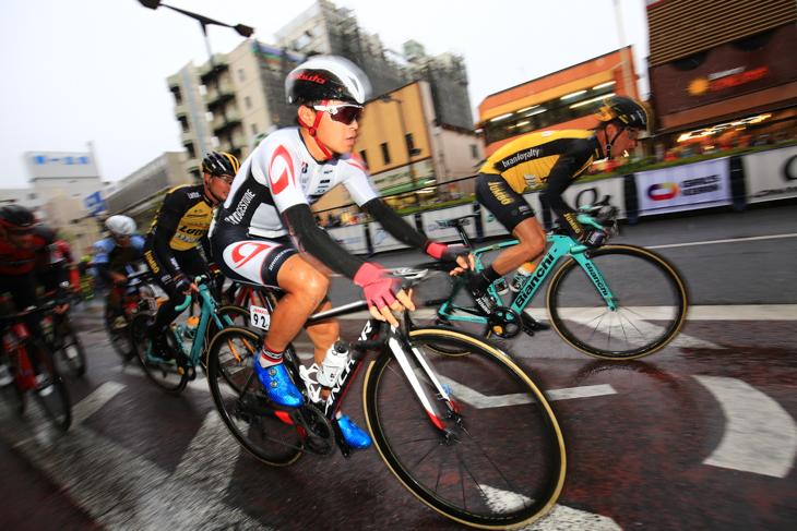 1回めのスプリント賞を獲得した鈴木龍(ブリヂストン アンカー サイクリングチーム)