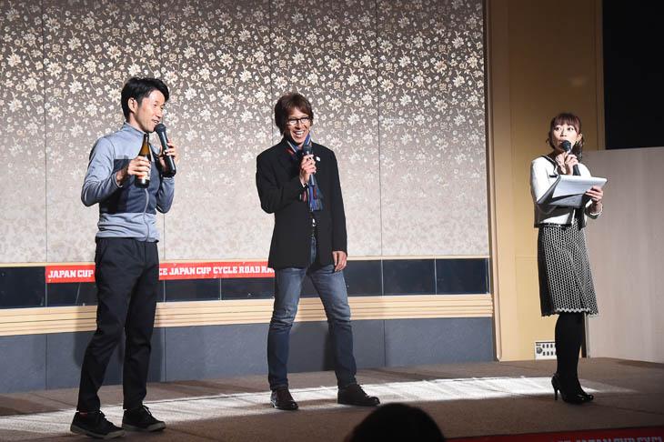 おなじみ栗村修さん、今中大介さんのトークショーがパーティーを盛り上げます