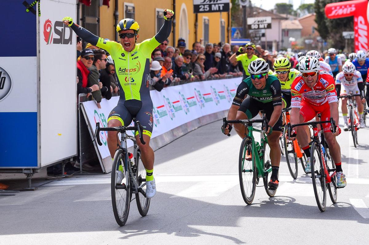 セッティマーナ・コッピ・エ・バルタリ2019第1ステージで勝利したエミルス・リエピンス(ラトビア、ワロニー・ブリュッセル)