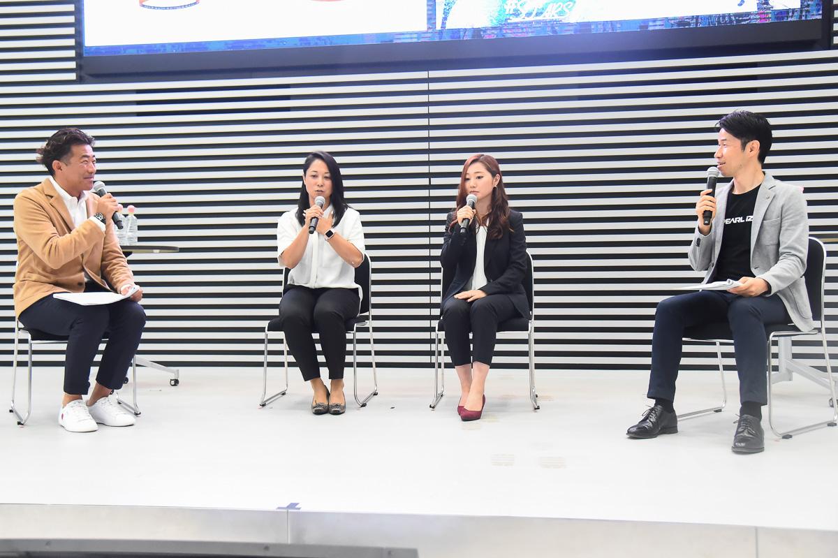栗村修さんと沖美穂さん、雨谷千紗子さんらが登壇し出場選手を発表した