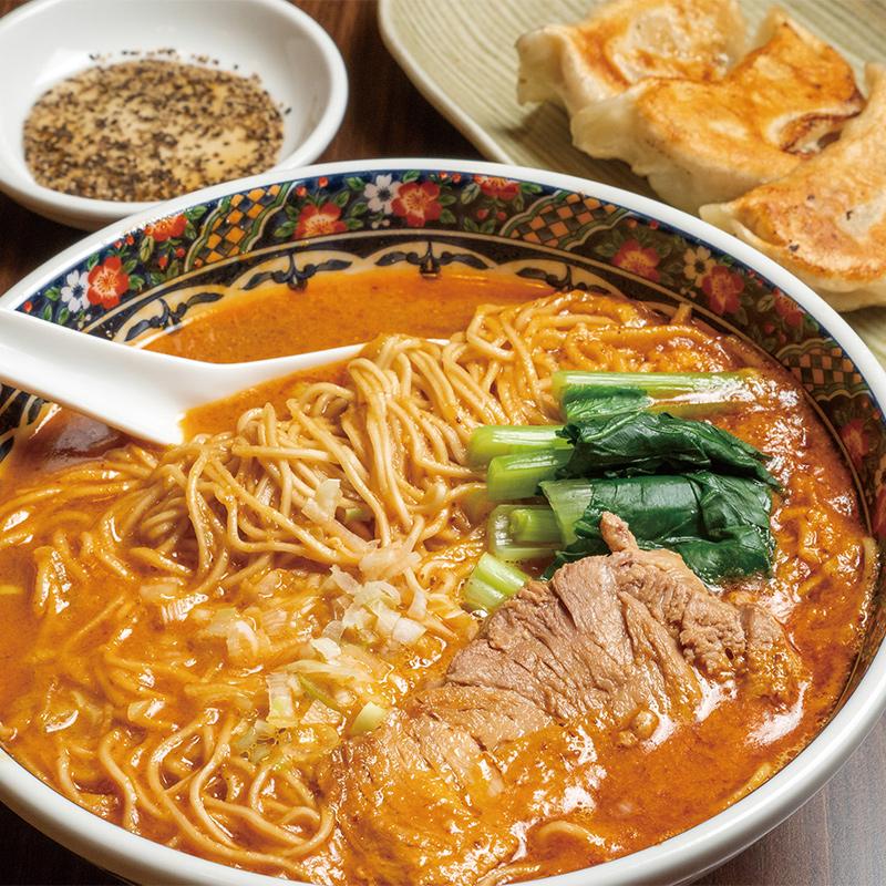 担々麺 880円(税込)、寿限無餃子3個 360円(税込)