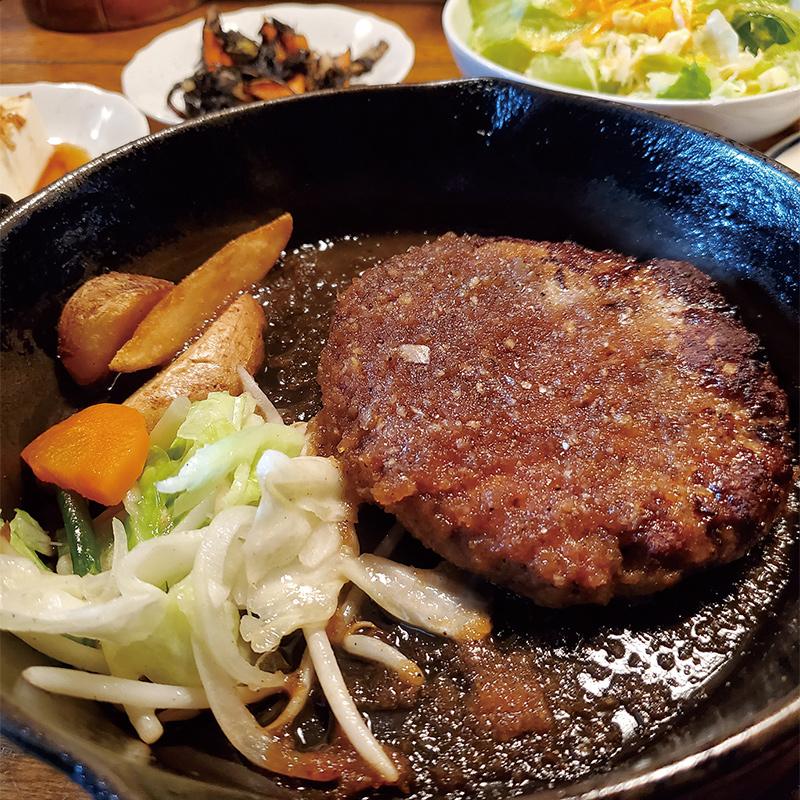 手作りハンバーグ 1,000円(税込)