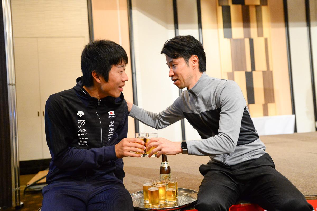 今年の居酒屋栗村最初のお客はU23期待の星・松田祥位(日本ナショナルチーム)