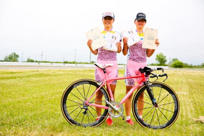 2013年全日本選手権TTで女子ジュニアとU17を制した坂口聖香、楓香姉妹