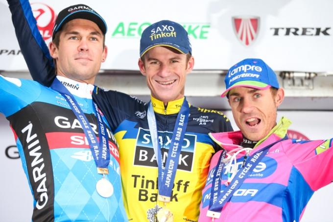 2位ジャック・バウアー(ニュージーランド、ガーミン・シャープ)、1位マイケル・ロジャース(オーストラリア、サクソ・ティンコフ)、3位ダミアーノ・クネゴ(イタリア、ランプレ・メリダ)