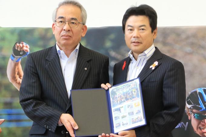 ジャパンカップオリジナル切手が今年も販売される