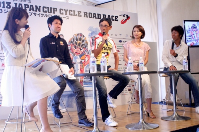 栗村修さん、渡辺航さん、山田玲奈さん、今中大介さんによるトークショー