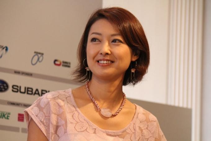 自身もトライアスリートだという大会サポーターの山田玲奈さん