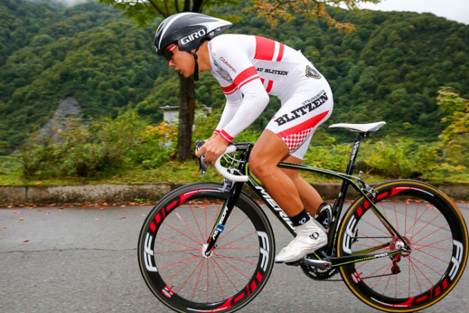 全日本TT2015 U17チャンピオンの小野寺慶(ブラウブリッツェン)