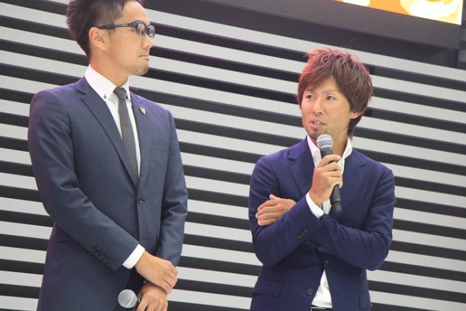 チーム右京の監督代行として土井雪広選手が登壇、トークを繰り広げた