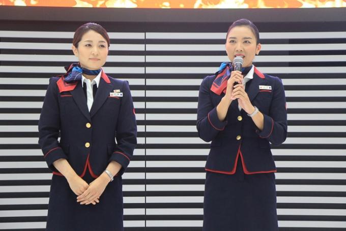 JALキャビンアテンダントの斉藤理香子さん、柏崎利孔さんも応援メッセージを披露